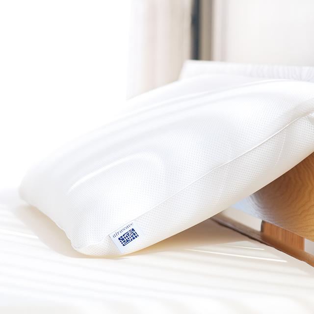 【エアウィーヴ】エアウィーヴ ピロー S-LINE  幅約66 × 長さ約40 × 高さ約7~11cm ホワイト