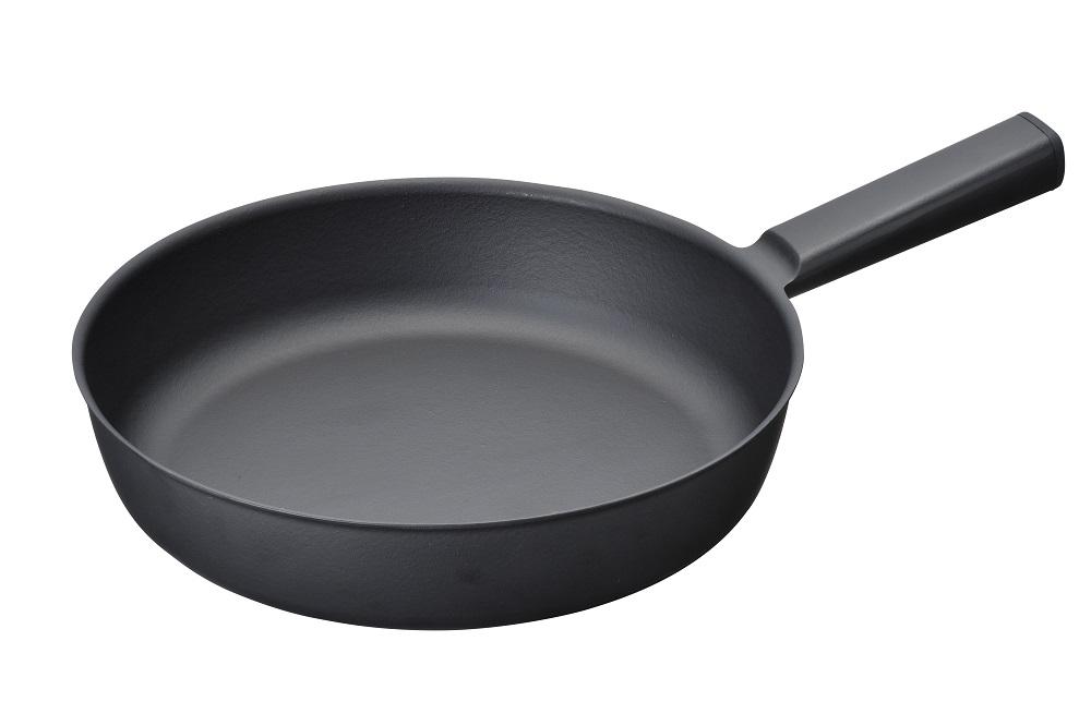 【三条特殊鋳工所】炒めやすく煮込みやすい鋳物フライパン 26センチ 約26×40cm・重量約1.1kg 黒