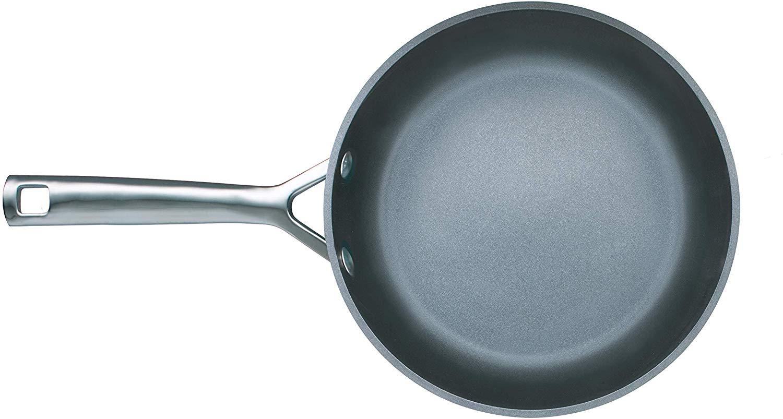 【ル・クルーゼ ジャポン】ル・クルーゼ TNSシャロー・フライパン 24cm 約径24cm・重量約1.1kg