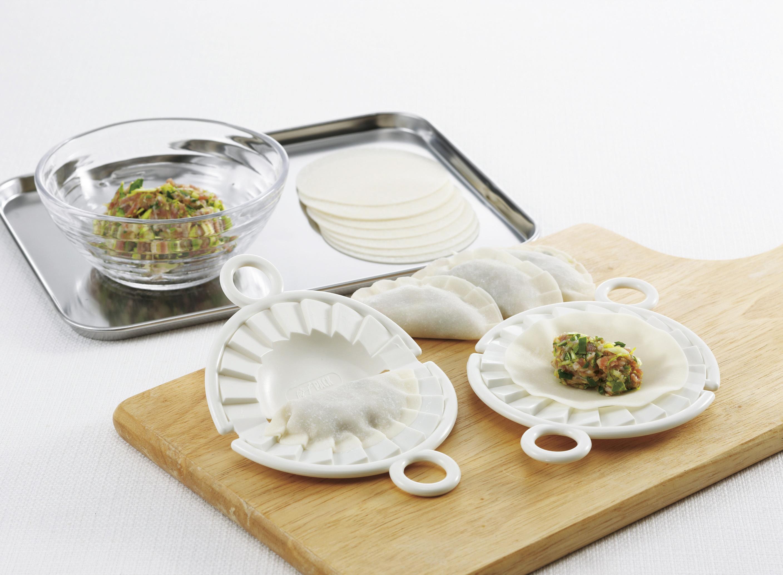 【新潟県】餃子鍋セット 餃子鍋(約径26×高さ5cm・重量約2kg)・トレー各1・餃子型×2