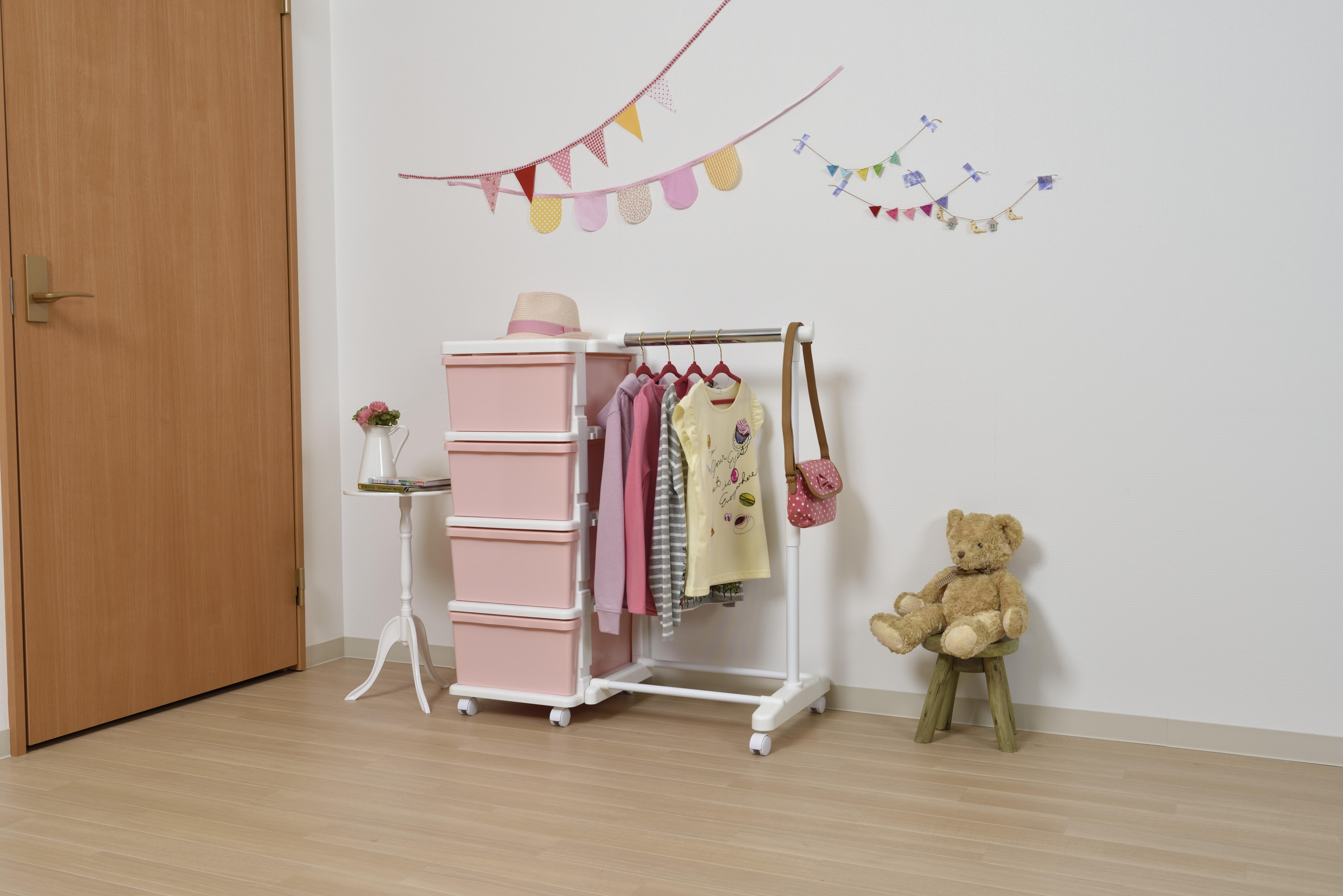 【ジェイ・イー・ジェイ】キッズハンガー付収納ケース ピンク